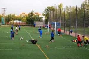 Entrenamiento en la Escuela con F de Fútbol